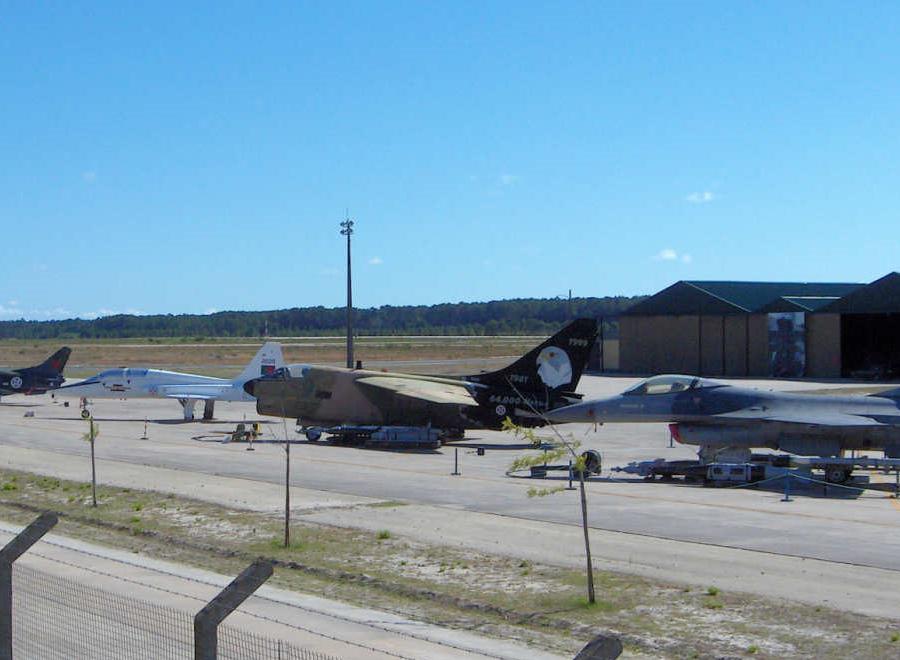 Aviões na Base Aérea de Monte Real