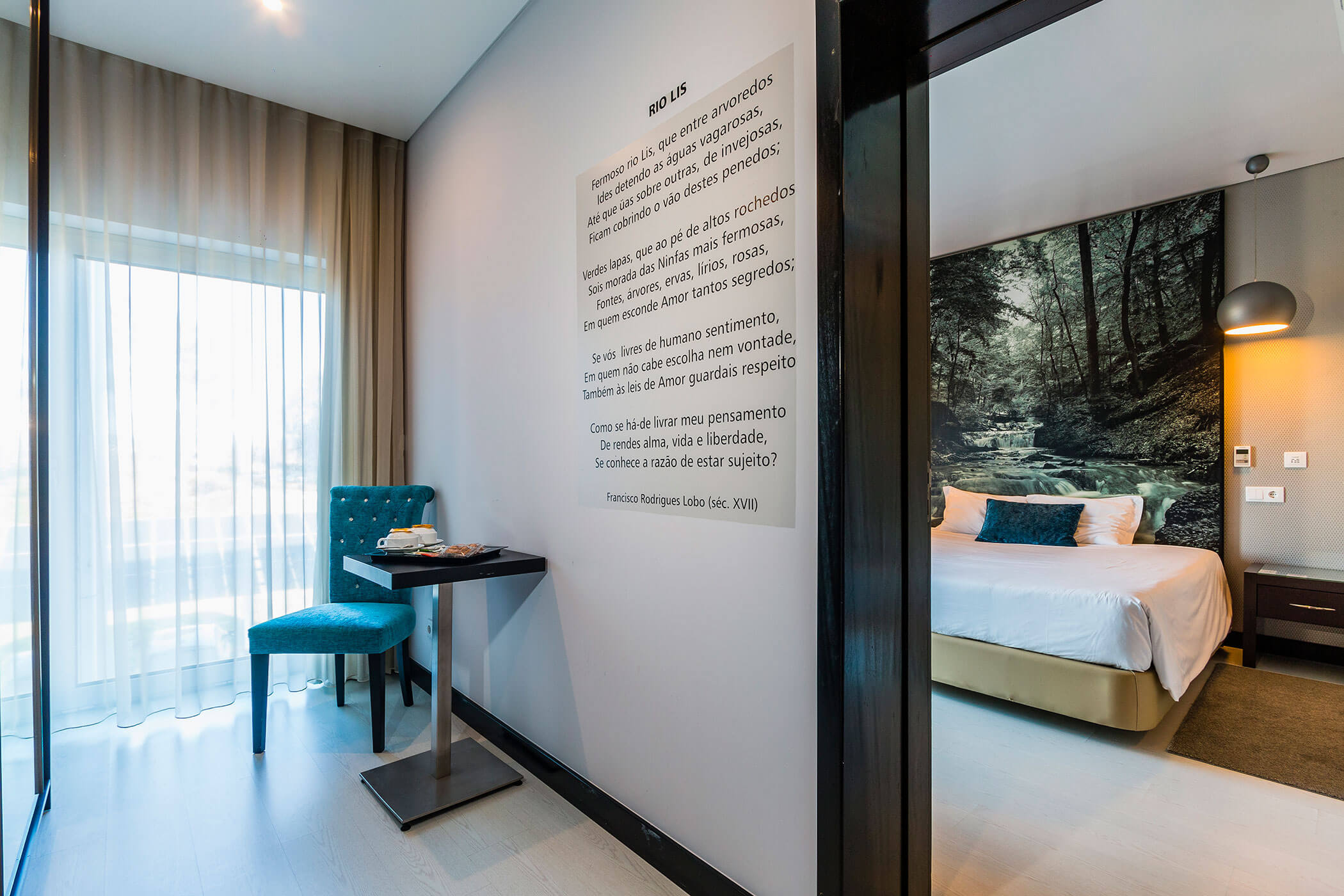Superior Double Room Rio Lis, with poem by Francisco Rodrigues Lobo - Lisotel Hotel & Spa, Leiria
